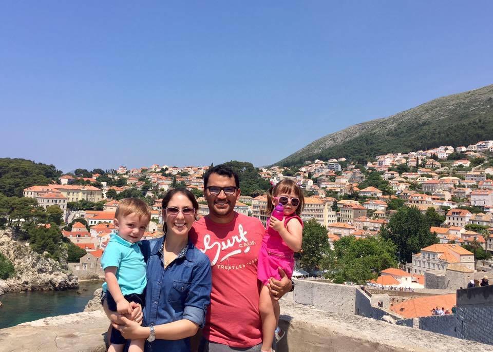 Vive de viaje con mi familia Bettina Russian