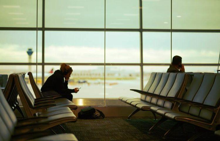 Mi hija pequeña viajó sola en un avión