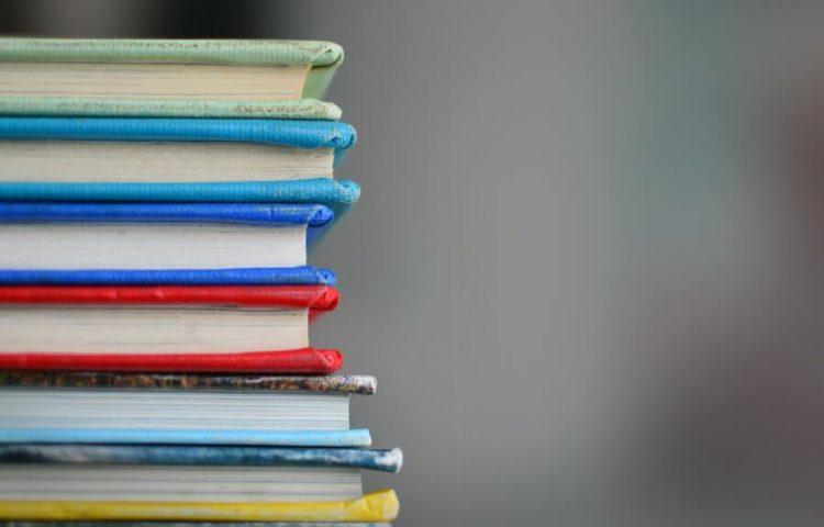 Raquel Casas recomienda libros en Asuntos de Mujeres